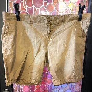 Old Navy size 22 khaki shorts button zip pockets